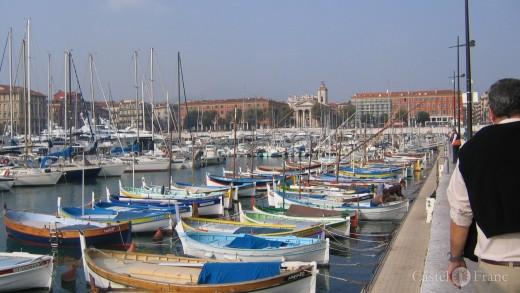 Der Hafen von Nizza in Südfrankreich