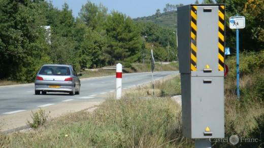 Radaranlage zum Blitzen von hinten in Südfrankreich bei Brignol