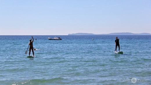 Stand up Paddle (SUP) an der Côte d'Azur, Gigaro; by: Castel Franc Provence
