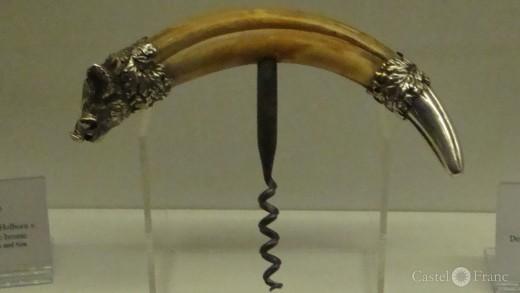 Korkenzoeher aus dem Hauer eines Wildscheins, Domaine de la Citadelle