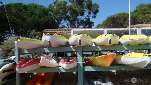 """Location des Kayaks de Mer, Gigaro, Côte d'Azur, """"La Voile Blanche"""""""