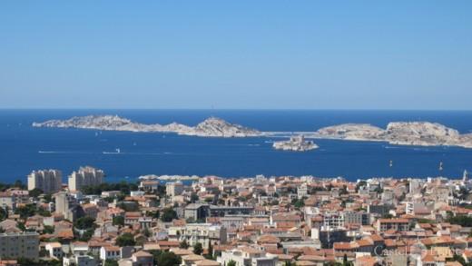 """Vue sur Marseille de """"Notre Dame"""", by: Castel Franc/ Provence"""