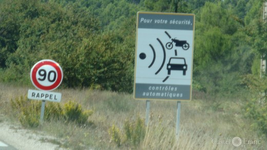 Vorwanrnung zur Geschwindigkeitsreduzierung auf 90 in Frankreich