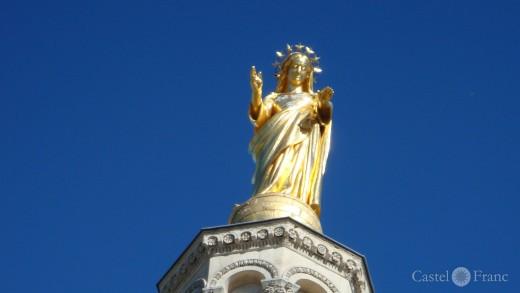 goldene Madonna auf dem Palais de Papes in Avignon
