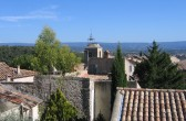 Blick über die Kirche von Le barroux in das Comtat Venaissin