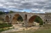 """le """"Pont Julien"""", bei Bonnieux, Vaucluse: castel-franc.com/shop"""