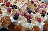 Profiteroles Chantilly Chataigne et fruits...