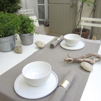 """Tischläufer: ...à table! 150x45 cm, Farbe """"warmgrau"""", by Castel Franc / Provence"""