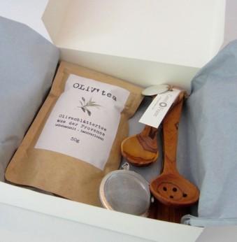 preiswertes Geschenkset Tee, feiner Gruentee, Geschenkset Olivenholz, Provence,