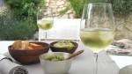 apero avec un verre de vin blanc, by: castel-franc.com/shop